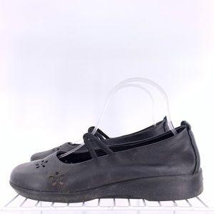 Arcopedico Women's Flats Size 7